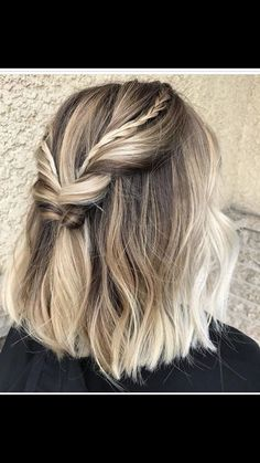 Are you going to balayage hair for the first time and know nothing about this technique? Or already have it and want to try its new type? We've gathered everything you need to know about balayage, check! Thick Hair Styles Medium, Short Hair Styles, Medium Lengths, Braids For Short Hair, Short Hair Cuts, Pixie Cuts, Summer Short Hair, Thick Short Hair, Short Bridal Hair
