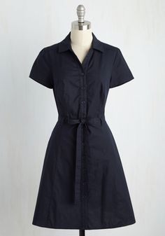 Smoothie Enthusiast Dress in Navy. From chia seeds to cacao nibs, you know all the tricks for top-notch sips - and, it looks from this navy blue shirt dress like youve applied the same know-how to your style! Casual Day Dresses, Classy Outfits, Pretty Outfits, Retro Vintage Dresses, Vintage Outfits, Vintage Clothing, Vintage Style, Navy Blue Dress Shirt, Shirt Dress