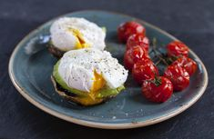 poached-eggs-and-portobello-mushroom