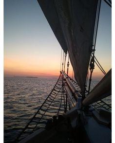 Push forward into the horizon and don't look back.  Photo by Stefani Clements. #flkeys #floridakeys #photoadventure #keywest #schooner #sunset #vacation #westernunion #sunsetsails #FloridaKeysVisitorPhotos by thefloridakeys