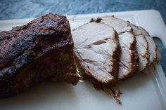 slow cooked pork collar joint - recipe is in Danish Clean Recipes, Snack Recipes, Snacks, Slow Cooked Pork, Scandinavian Food, Slow Cooker, Steak, Bacon, Food And Drink