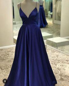 Spaghettiträger mit V-Ausschnitt Navy Blue Prom Dresses from Wedding - vestidos 15 - Navy Blue Prom Dresses, Grad Dresses, Pretty Dresses, Homecoming Dresses, Sexy Dresses, Beautiful Dresses, Evening Dresses, Formal Dresses, Long Dresses