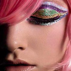 Glitter Makeup are very inn in models and celebrities. Glitter Makeup are not for wedding ceremonies but for funky occasions. Sparkly Eye Makeup, Glitter Makeup, Glitter Eyeshadow, Peacock Makeup, Disco Makeup, Glitter Liner, Glitter Bomb, Glitter Art, Glitter Force
