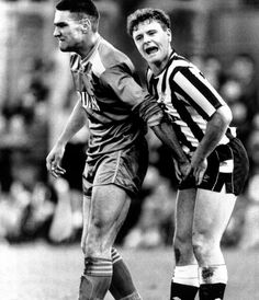 Vinnie Jones gets to grips with Paul Gascoigne in the Newcastle United v Wimbledon game in 1988!!