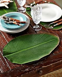 Tommy Bahama - Palm Leaf Placemats. Entertaining Tropical Style.