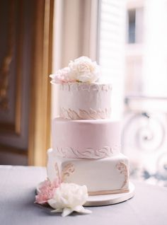 Whimsical cake: http://www.stylemepretty.com/destination-weddings/2015/07/02/romantic-haute-couture-wedding-inspiration-in-paris/ | Photography: Le Secret D'Audrey - http://www.lesecretdaudrey.com/