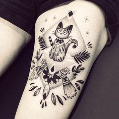 Jiji de Kiki la petite Sorcière, un grand merci Samantha ! #Jiji #miyazaki #kikilapetitesorciere #violette #bleunoir #bleunoirtattoo #violettetattoo #geometrictattoo #dotwork #blackwork #blackworkerssubmission #blacktattoo #blacktattoomag #blacktattooart #btattooing #iblackwork #inkstinctsubmission #equilattera #darkartists