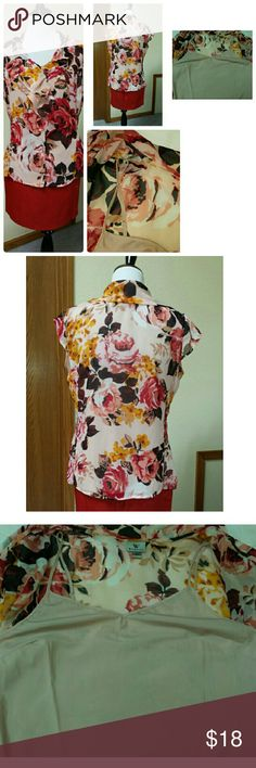 """Worthington sheer, flowered ruffle blouse and cami This beautiful, feminine blouse comes with its own light weight camisole snapped in at the straps. Polyester, machine washable, measures 22"""" across the bust and 25"""" long. No visible flaws. Worthington Tops Blouses"""
