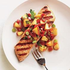 Grilled Halibut with Peach and Pepper Salsa. * Almost any salsa is great with halibut. I like to make a fresh pico de gallo with mangoes or peaches to top off grilled halibut. Grilled Seafood, Grilled Fish, Fish And Seafood, Grilled Halibut Recipes, Grilled Swordfish, Grilled Chicken, Best Seafood Recipes, Fish Recipes, Gastronomia