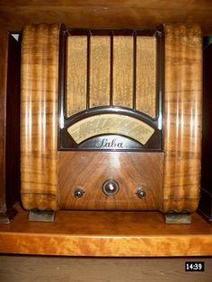 Radios, Nerf, Cb Microphone, Radio Antigua, Old Time Radio, Steampunk, Timber Wood, Phonograph, Cool Art