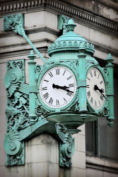 Marshall Fields Iconic clock on State Street Chicago, Il. A beautiful landmark in Chicago. My Kind Of Town, My Town, Alaska, The Blues Brothers, Time Stood Still, Boundary Waters, State Street, Antique Clocks, Tiffany Blue