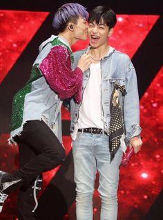 Let me bless you with Junbob 💜💜 Shinee, Bobby, Ikon Member, Koo Jun Hoe, Kim Jinhwan, Ikon Kpop, Ikon Debut, Ikon Wallpaper, Jay Song