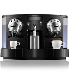 Gemini | CS 200 PRO from Nespresso, die speciaal werd ontwikkeld voor professioneel gebruik, combineert geavanceerde technologie met visionair design. Uw klanten, cliënten en werknemers kunnen zo binnen seconden volop genieten van superieure Grand Cru koffie.