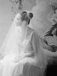 Beautiful bridal portrait by Elizabeth Messina Wedding Veils, Wedding Bride, Gold Wedding, Bride Veil, Ethereal Wedding, Wedding Girl, Wedding Dresses, Elegant Wedding, Wedding Photography Inspiration