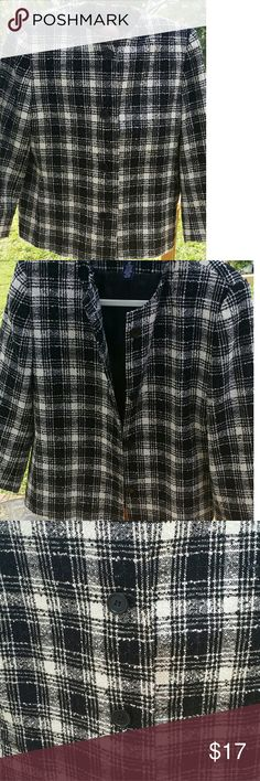 """Preston & York Blazer Really nice white and black plaid blazer. Size: 16p. Shoulder to shoulder length measurement is 16"""". And sleeve is 21"""" long. Well taken care of. Preston & York Jackets & Coats Blazers"""