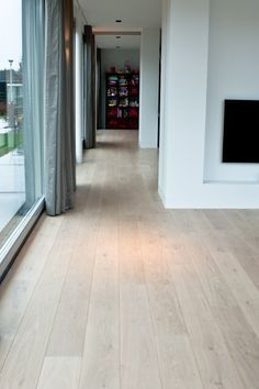 9 Smooth Tips AND Tricks: Vinyl Flooring Office timber flooring hamptons.Old Parquet Flooring flooring living room apartment therapy. Pvc Flooring, Basement Flooring, Timber Flooring, Bathroom Flooring, Concrete Floors, Kitchen Flooring, Hardwood Floors, Flooring Ideas, White Flooring