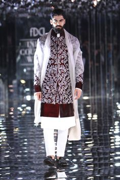 Complete collection: Manish Malhotra at India Couture Week 2017 Sherwani For Men Wedding, Wedding Dresses Men Indian, Wedding Outfits For Groom, Sherwani Groom, Mens Sherwani, Indian Wedding Wear, Wedding Dress Men, Wedding Attire, Marriage Dress For Men