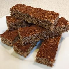 Crunchy, chewy and simply perfect for the school lunchbox. A delightful snack for the kids that is cheap and quick to make. Sounds like a winner to me!