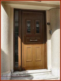 Πόρτες Αλουμινίου Κυρίας Εισόδου και Κουζίνας   Λιάγγης   Δάφνη Υμηττός    Πόρτα αλουμινίου με διακοσμητικές ασφάλειας,πλαϊνό σταθερό σε χρώμα απομίμησης ξύλου. Kitchen Cabinets, Furniture, Home Decor, Decoration Home, Room Decor, Kitchen Base Cabinets, Home Furnishings, Arredamento, Dressers