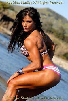 http://www.bodybuildsters.nl/wp-content/uploads/2012/06/deidre-pagnanelli-3.jpg