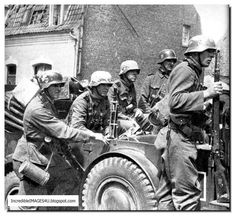 Waffen SS In Action In France: Pictures By War Reporter Friedrich Zschäckel