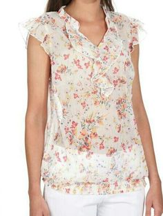 Kurtis, Cute Tops, Blouse Designs, Bedroom Ideas, Floral Tops, Clothes For Women, My Style, Makeup, Womens Fashion
