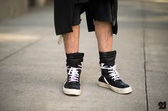 NEW YORK CITY WHO Men James Gillespie WHAT Rick Owens WHERE USA New York City Manhattan SoHo http://le-21eme.com/