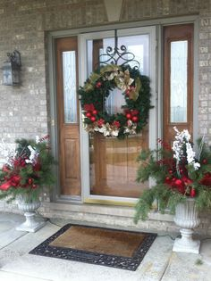 My front door at Christmas | Christmas decor ideas