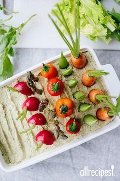 Spring Herb Hummus Vegetable Garden | Perfect for shower season.