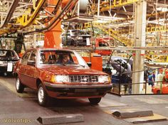 Volvo 300 series production