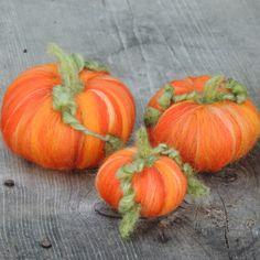 Autumn Pumpkins A trio of Waldorf Inspired Needle von Nushkie