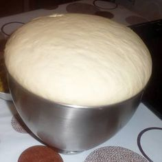 Primary dough for a number of recipes (pizza, turnovers, bread for sandwiches, donuts) Pizza Recipes, My Recipes, Cooking Recipes, Favorite Recipes, Cooking Bread, Cooking Chef, Kitchen Aid Artisan, Cuisine Diverse, Bread And Pastries