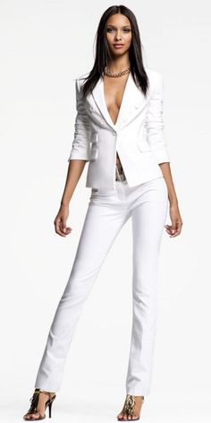 Always wanted to rock white suit like that.