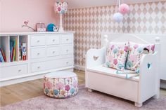 Różowy pokój dla dziewczynki.