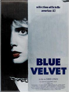 Redécouvrez la bande-annonce du film Blue Velvet ponctuée des secrets de tournage et d'anecdotes sur celui-ci. ☞ Blue Velvet est un film américain réalisé