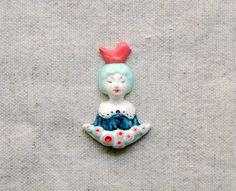 Girl with bird brooch от msBIRDIEshop на Etsy #etsy #brooch #jewelry