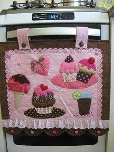 Ideas que conseguí en la web. Fabric Crafts, Sewing Crafts, Sewing Projects, Diy Projects, Quilt Patterns, Sewing Patterns, Diy And Crafts, Arts And Crafts, Motifs Perler