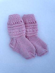 #handmade #wool #socks #baby #etsy Merino Wool Socks, Knitted Slippers, Head Accessories, Baby Booties, Knitting Socks, Etsy Seller, Handmade Items, Booty, Pink