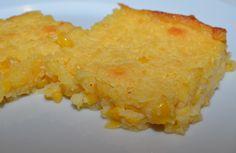 Easy Corn Bread Recipe with Creamed Corn Einfaches Maisbrot-Rezept mit Rahmmais Creamed Corn Cornbread, Moist Cornbread, Cornbread Recipes, Cornbread Casserole, Cornbread Mix, I Love Food, Good Food, Yummy Food, Easy Snacks