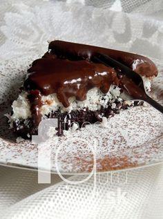 Čokoládovo-kokosový koláč bez múky Healthy Cake, Healthy Cookies, Healthy Treats, Healthy Desserts, Dairy Free Recipes, Raw Food Recipes, Sweet Recipes, Cake Recipes, Baking Cupcakes