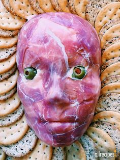 Flayed Man Cheese Ball - This skin-crawling cheese ball is guaranteed to be the talk of your Halloween party. Get the recipe and helpful tips for making this easy, tasty appetizer. Creepy Food, Creepy Halloween Food, Spooky Food, Halloween Cans, Halloween Appetizers, Halloween Dinner, Halloween Food For Party, Halloween Goodies, Yummy Appetizers