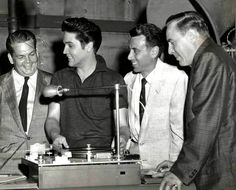 Elvis with friends on the movie set of Jailhouse rock in may 1957.