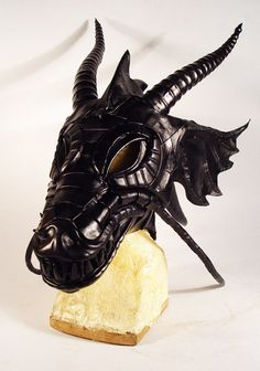 Bob Basset's Lair – New Leather Dragon Mask. Новая кожаная маска дракон.