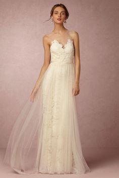 10 gorgeous elopement dresses under $500