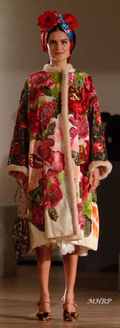 Dolce-Gabbana_Alta-Moda-and-Alta-Sartoria-fashion-show_Museo-Soumaya-Mexico-City_April-2018