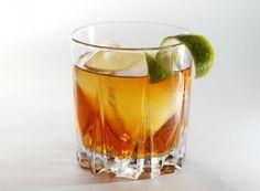 50 ml di cachaça  •15 ml Martini rosso  •15 ml di Cynar   •un goccio di bitter al pompelmo