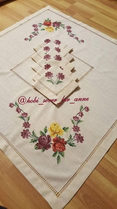 Cross Stitch, Table Toppers, Seed Stitch, Punto De Cruz, Cross Stitches, Crossstitch, Punto Croce