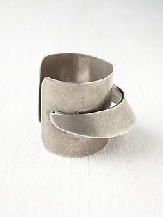 Cuff bracelet. Silver statement.