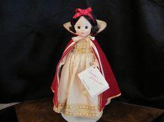 Vintage 1980s Madame Alexander Snow White Doll