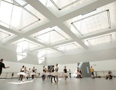 Building for the Ballet: 7 Graceful Dance Studios and Stages - Architizer Ballet School, Ballet Class, Ballet Dancers, Dance Studio Design, Ballet Room, Dance Rooms, Hall Design, Music School, Retail Design